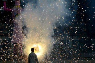 BMC consults Mumbai Government to ban firecrackers