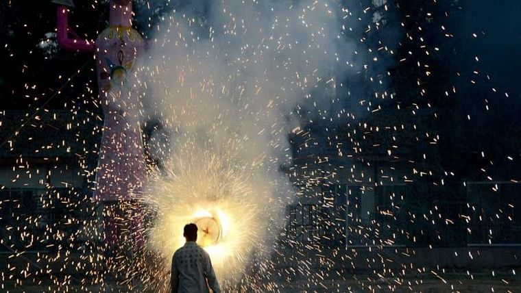 BMC consults Mumbai Government to ban firecrackers
